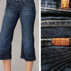 ✨HP ✨✨NWOT✨ 7 for All Mankind Dojo Cropped Jeans